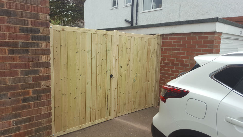 Charlie The Joiner - Joiner and carpenter Harrogate Leeds - custom driveway gates